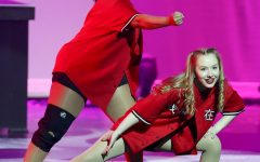 Navigation to Story: Marquettes Dance at Spring Show